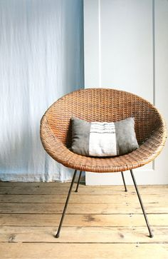 Vintage Mid Century Wicker Basket Chair / Local Pickup on Etsy, Sold Wicker Chairs, Rattan Furniture, Vintage Furniture, Furniture Design, Entryway Furniture, Chair Cushions, Room Chairs, Luxury Furniture, Dining Chair