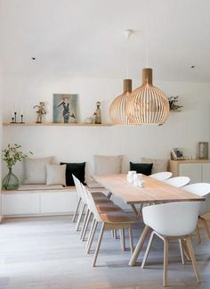 Get inspired by these dining room decor ideas! From dining room furniture ideas, dining room lighting inspirations and the best dining room decor inspirations, you'll find everything here! Living Room Interior, Living Room Decor, Decor Room, Dining Decor, Dining Tables, White Dining Chairs, Room Decorations, Scandi Living Room, Scandi Home