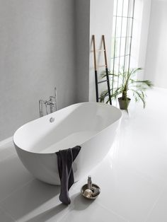 Due to its narrow rim, the internal space of this bath is bigger than most full size baths. The Formoso Piccolo bath from Clearwater Bathrooms at http://www.clearwaterbaths.com/Products/ProductDetail?prodId=3297&name=Formoso%20Piccolo%20ClearStone%20bath