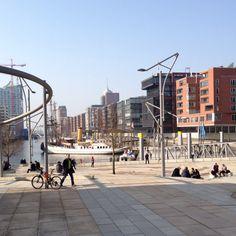 So schön kann die Pause im März sein - Hafen City in Hamburg