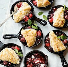RECIPE RADAR | Mini Cast Iron Skillet Desserts