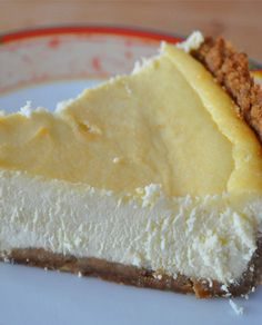 Another classic dessert inspired by the flavors of Ireland, Irish cream cheesecake is a delicious Irish expression! Here is our family's favorite recipe, and a few ideas for variations! Ricotta Cheesecake, Lemon Cheesecake, Cheesecake Recipes, Dessert Recipes, Cheesecake Bites, Irish Desserts, Baked Ricotta, Cheesecakes, Sweet Tooth