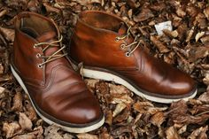Mr. Nizzel brings forth today yet another pair of epically beautiful American-made Red Wings... let's hope he keep 'em coming. Red Wing Chukka Boots, Red Wing Boots, Black Prom Suits, Red Wing Heritage Boots, Mens Boots For Sale, Timberland Boots Outfit, Gents Fashion, Mens Boots Fashion, Shoe Boots
