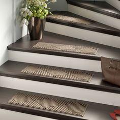 Use indoor carpet stair treads to secure your family Beige Carpet, Diy Carpet, Patterned Carpet, Modern Carpet, Cheap Carpet, Yellow Carpet, Black Carpet, Carpet Ideas, Black Stairs
