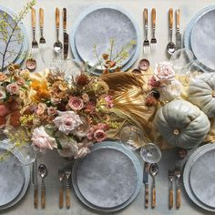 Autumn Blue Gray Thanksgiving Table l — Casa de Perrin Decorating Your Home, Diy Home Decor, Thanksgiving Tablescapes, Wedding Table Settings, Place Settings, Table Arrangements, Fall Table, China Patterns, Autumn Home