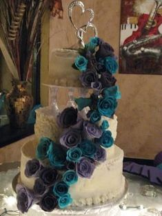 26 Trendy Wedding Cakes Teal And Purple Turquoise Gothic Wedding Cake, Pretty Wedding Cakes, Wedding Cake Roses, Purple Wedding Cakes, Purple Wedding Flowers, Wedding Cakes With Flowers, Wedding Colors, Purple Flowers, Purple Orchids