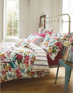 DUVETSUNBIRD Reversible Sunbird Floral Duvet Cover - Joules is not just for equestrians!