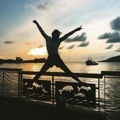 Instagram의 유지__23님: 마지막 선셋 제대로된 선셋은 아니지만 이걸 마지막으로 한국간다!!!! #말레이시아#코타키나발루#kotakinabalu#세계3대#썬셋#워터프론트#sunset#dailypic#점프샷#jump#instargra