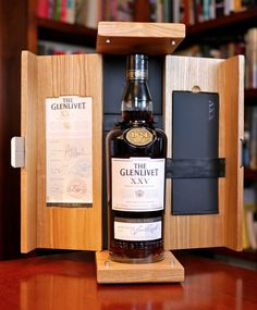 Whisky Bar, Cigars And Whiskey, Malt Whisky, Bottle Box, Wine Bottle Holders, Wine And Liquor, Wine And Beer, Bar Counter Design, Wine Bottle Design