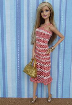 Explore Barbie Fashion Clothes' photos on Flickr. Barbie Fashion Clothes has uploaded 135 photos to Flickr. Barbie Top, Mattel Barbie, Barbie Dress, Barbie Knitting Patterns, Barbie Patterns, Crochet Barbie Clothes, Doll Clothes Barbie, Fashion Dolls, Fashion Outfits