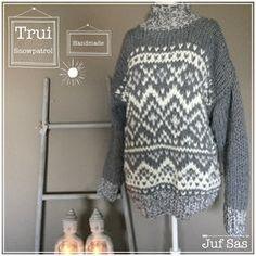 Trui Snowpatrol handmade by juf Sas #trui #sweater #winter #warm #free #pattern #gratis #patroon #stitchfiddle #inbreien #breien #gebreid #knitting #knitwear #jufsas #handmade #handwerken #wol #Julia #Zeeman #snowpatrol #snow #sneeuw #grijs #wit #inspiratie #creatief #gratispatroon #breiwerk #breinaalden12 #grof #dubbeldraads #recht #averecht