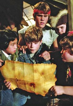 Will never get too old for the Goonies! Lived next door to the writer of Goonies,in Big Bear (Sugarloaf),Ca. Very nice man ! ~Kelli~ (previous pinner said) 80s Movies, Great Movies, Iconic Movies, Love Movie, Movie Tv, Movies Showing, Movies And Tv Shows, Os Goonies, Bon Film