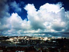 Be welcome Autumn!  #hotels #travel #porto #douro #autumn #theyeatman #travel #skyline #luxury #hotel #porto