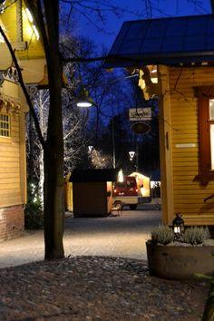 Vaikka Tallipiha on ihan naapurissa, ei ole vieläkään tullut lähemmin tutustuttua! Autumn Photos, Big Town, Helsinki, Monet, Finland, Check, Instagram, Historia, Autumn
