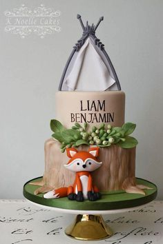 Woodland Creatures Baby Shower Cake by K Noelle Cakes Woodland Creatures-Babyparty-Kuchen von Gateau Baby Shower, Baby Shower Cupcakes, Baby Girl Shower Themes, Boy Shower, Baby Shower Cakes For Boys, Woodlands Baby Shower Theme, Backen Baby, Comida Para Baby Shower, Fox Cake