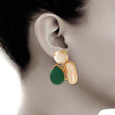 Hunter Green Gemstone and White Baroque pearl Earrings  #earrings #jewelry #ring #eveningbags #fashion #designerjewelry #dearafashionaccessories #handmade #accessories #dearafashion