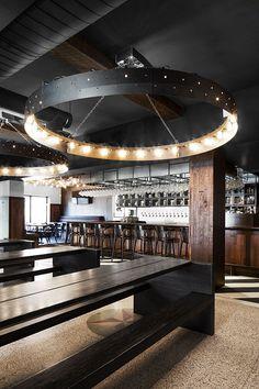 Visite guidée: Das Bier | CHEZ SOI Photos: ©Adrien Williams | v2com #deco #architecture #design #bar #europeen #visite