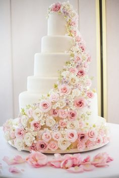 Pretty Pink Rose Tiered Wedding Cake Wedding Cake Table Decorations, Vanilla Cake, Beautiful Wedding Cakes, Dream Wedding, Wedding Day, Catering, Cake Art, Diy, Wedding Planner