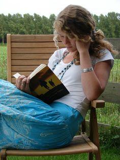 Nadine zou het liefst altijd vijf, zes boeken per week lezen. Foto familie Klaassen