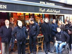 Waiting for lunch in Paris with Phil Stockbridge's 'Leading in the Matrix' participants
