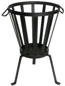 I Ome Piet verhuur Fire Basket, Fireplace Heater, Metal Fire Pit, Outdoor Heaters, Fire Bowls, Metal Crafts, Room Colors, Blacksmithing, Wrought Iron