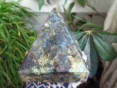 3410g NATURAL Labradorite POLISHED CRYSTAL Shine / Fire Pyramid HEALING A51
