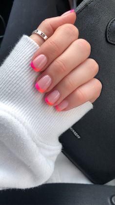 Pink Tip Nails, Cute Gel Nails, Short Gel Nails, Pink Summer Nails, Gel Nails With Tips, Gel Nails French Tip, Colored Tip Nails, Summer Nail Colors, Nail Ideas For Summer