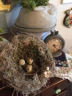 DIY NEST, NEST USING FOUND OBECTS, TABLE SCAPE WITH NESTS