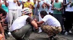 Capoeira Angola de Rua - Festa da Capoeira na festa de Iemanjá  Roda de Capoeira comandada Por Sapoti & o bando Tupinambá no dia 2 de fevereiro de 2015, contando com a presença de vários mestres, entre eles o Mestre Cláudio Costa de Feira de Santana que comanda o samba, fazendo da Festa da Capoeira na Festa de Iemanjá uma tradição na cidade.