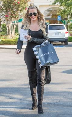 Khloe Kardashian from The Big Picture: Today's Hot Pics  Shop 'til you drop! The E! star does some retail therapy in Calabasas.