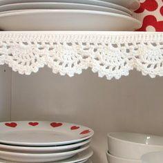 cute crocheted shelf liner -  yarn-ing.blogspot.com