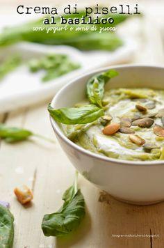 Crema di basilico e piselli con vellutata di yogurt e semi di zucca