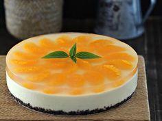 This No-Bake Orange Yogurt Cheesecake is citrusy, light and rich.