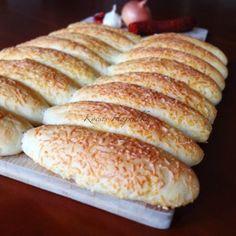Sajtos stangli   mókuslekvár.hu Ketogenic Recipes, Diet Recipes, Vegan Recipes, Bread Storage, Keto Results, Paleo, Keto Dinner, Sandwiches, Bakery