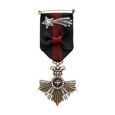 Souviens Insignia + Star Brooch Set - Shop now in my boutique https://www.chloeandisabel.com/boutique/lizstorey #chloeandisabel #jewelry #fashion