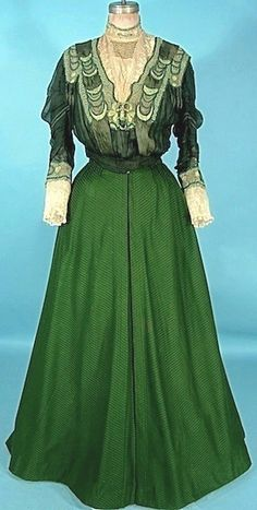 Green Ottoman Silk And Wool Fabric And Lace Trimmed 3-Piece Antique Gown With Original Blouse - By A.H. Metzner, New York     c. 1906-1907 -  Antique & Vintage Dress Gallery    (Dress Without Jacket)
