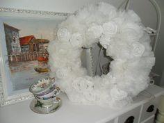 Schneeweißer++Dekokranz+,Mädchen Zimmer+Rosen+Weiß++von+MuMus+Zauberwerkstatt+auf+DaWanda.com