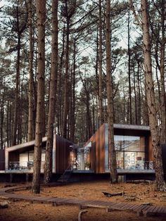 Tiny House Cabin, Tiny House Design, Modern House Design, My House, Container Home Designs, Casa Hygge, Community Housing, Cabin In The Woods, Forest House