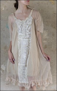 Magnolia Pearl's Long-Awaited Specialty Clothing Auction lace panel for front of my dress. Magnolia Pearl, Bohemian Style, Boho Chic, Hippie Style, Shabby Chic, Boho Fashion, Fashion Outfits, Womens Fashion, Fashion Design
