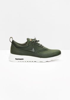 Other stories nike air max thea prm fashion nike shoes, nike free s Sneakers Shoes, Sneakers Mode, Sneakers Fashion, Fashion Shoes, Sneakers Design, Roshe Shoes, Air Max Thea, Thé Air Max, Nike Air Max