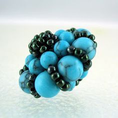 A Beader's Blog: Beaded Sultan Bead Tutorial - Part 1  Great tutorial, easy to follow with diagrams & pictures