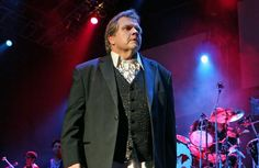 Meat Loaf cries on stage as he thanks fans - TV3 Xposé Entertainment