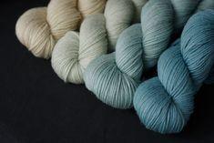Färben mit japanischem Färberknöterich // Natural dyed wool with homegrown japanese Indigo