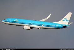 Boeing 737-8K2 PH-BXI 30358 Vienna Schwechat - LOWW