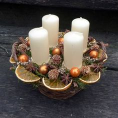 Christmas Candle Decorations, Advent Candles, Christmas Flowers, Christmas Candles, All Things Christmas, Winter Christmas, Christmas Home, Vintage Christmas, Christmas Crafts