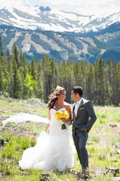 You never forget where you got married. From mountain vistas to ocean breezes, Iconic Weddings will make it uniquely yours.