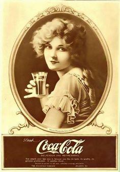 Coca Cola Poster, Coca Cola Ad, Always Coca Cola, World Of Coca Cola, Vintage Labels, Vintage Ads, Vintage Posters, Vintage Prints, Vintage Graphic