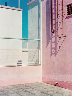 aliceroxy - visual moodboard by fashion stylist Charlotte Everaert Minimal Photography, Art Photography, Jolie Photo, Pink Walls, Blue Aesthetic, Candy Colors, Color Inspiration, Interior And Exterior, Colours