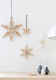 Scandinavian christmas decoration with wood stars #scandinavianinteriors #scandinavianstyle #christmasdecor