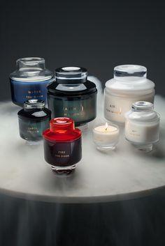 Il designer a Maison&Objet si misura con la distillazione di profumi e accessori per la lettura in chiave decisamente british.